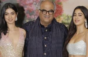 Hum Paanch to Mom, Boney Kapoor loves playing a perfect host.